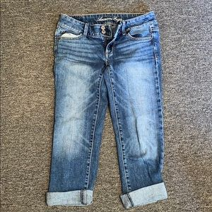 American Eagle Crop/Capri Jeans